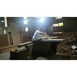 定制展柜选用保复合木材的好处有哪些